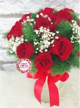 V01 Rose in Vase