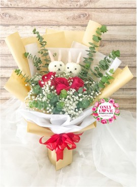 L123 Rose Hand Bouquet