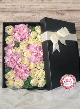 LB29 Rose Hydrangea Gift Box