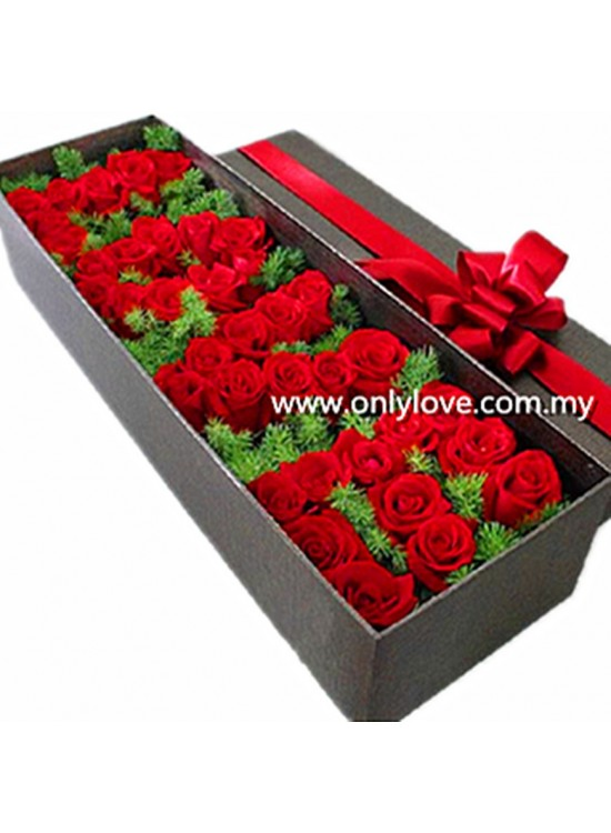 Love Roses Gift Box Sameday Flower Delivery To Malaysia Only Love