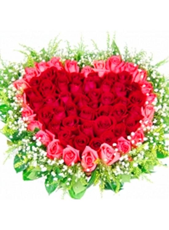 Heart Shape Roses Table Arrangement