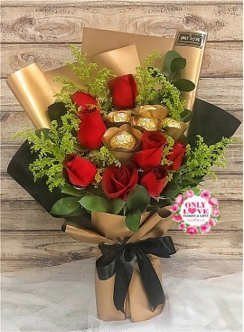 L78 Rose Hand Bouquet