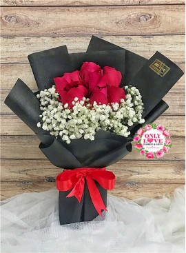 L89 Rose Hand Bouquet