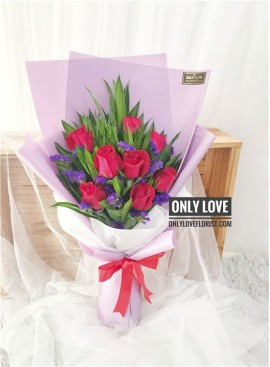 L95 Rose Hand Bouquet
