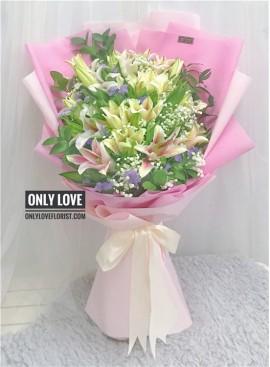A15 Lilies Bouquet