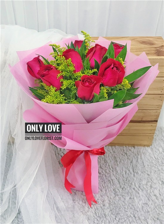 L30 Rose Hand Bouquet