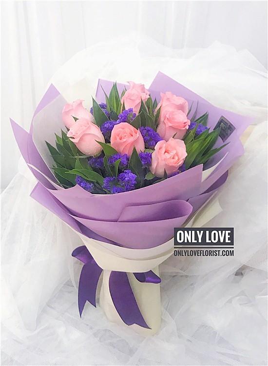 L101 Rose Hand Bouquet