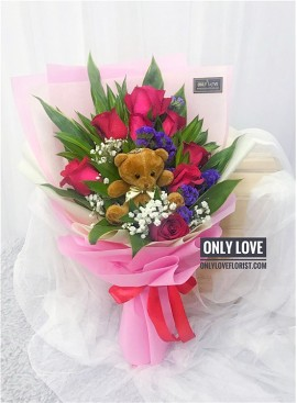 L103 Rose Hand Bouquet