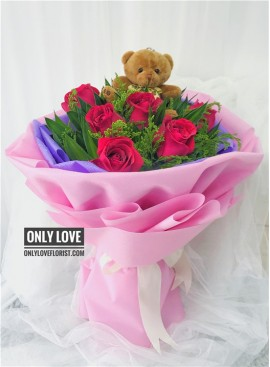 L19 Rose Hand Bouquet