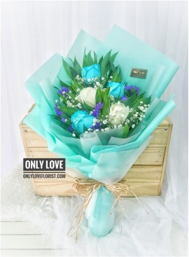 L82 Tiffany Turquoise Bouquet