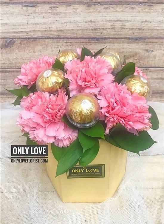 MD032 Carnation Bouquet