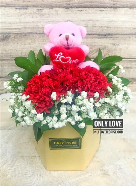 MD036 Carnation in Vase