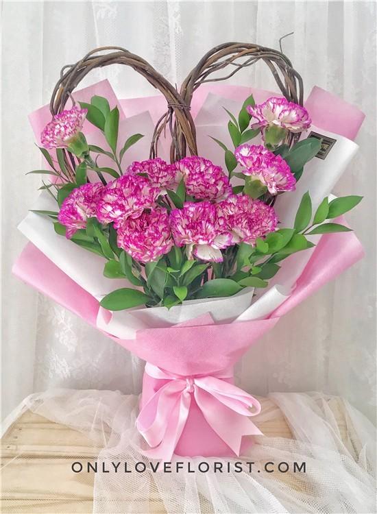 MD037 Carnation Bouquet