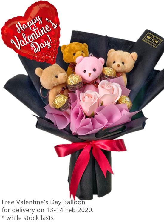 H17 Bear Hand Bouquet