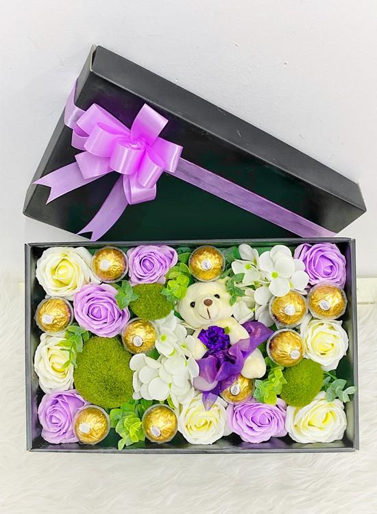 LB33 Soap Flower Gift Box