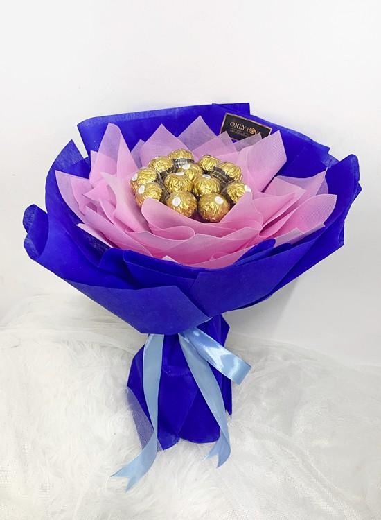 E07 Ferrero Rocher Bouquet