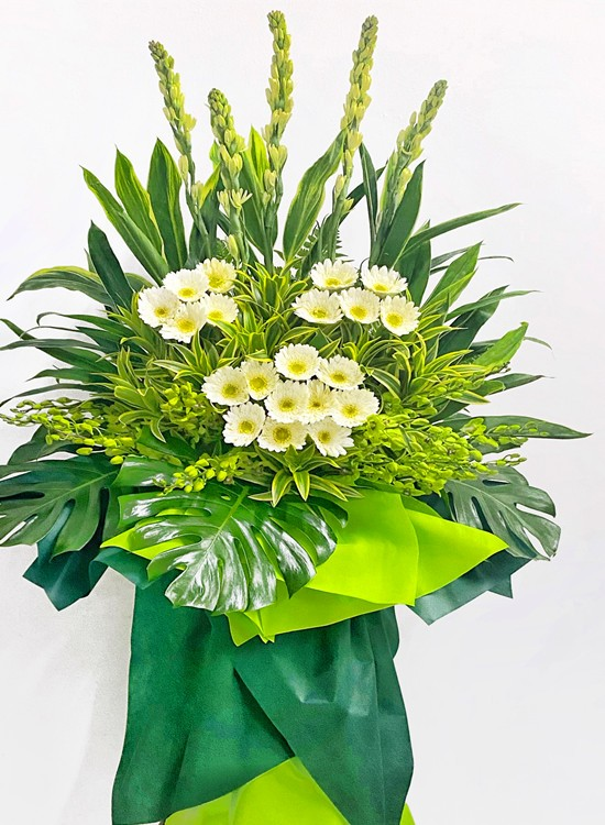 C96 Sympathy Flower Stand (5.5' H)
