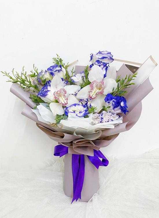 OA05 Cymbidium Orchid Bouquet