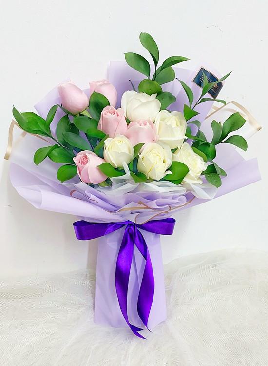 L142 Rose Flower Bouquet