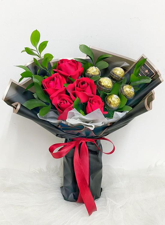 L161 Rose Flower Bouquet