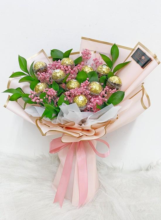 E03 Ferrero Rocher Bouquet
