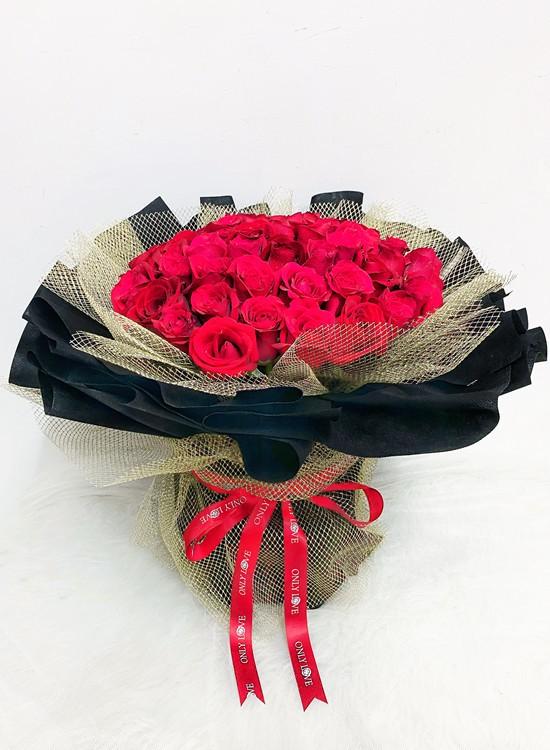 L121 50 or 99 Rose Flower Bouquet