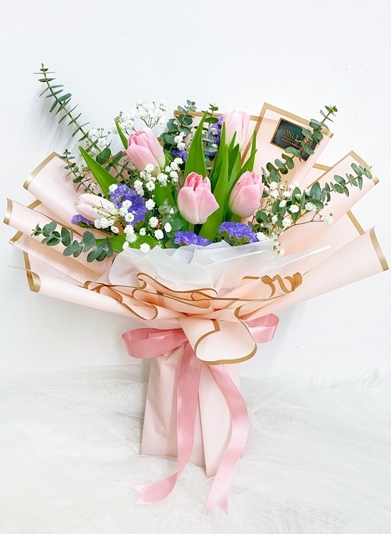 THB05 Tulip Bouquet