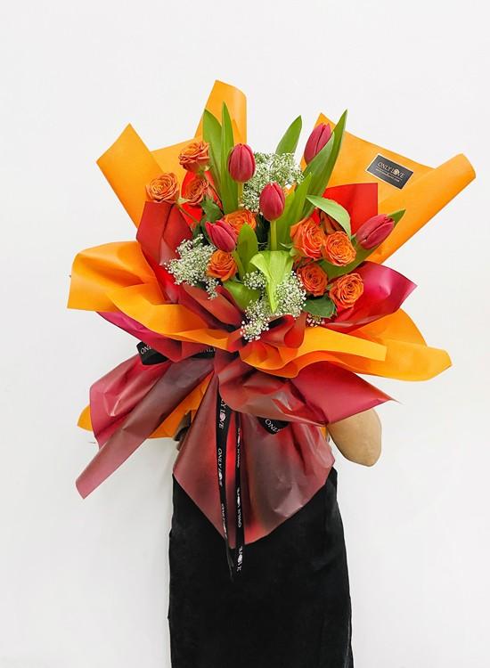 THB03 Tulip Bouquet
