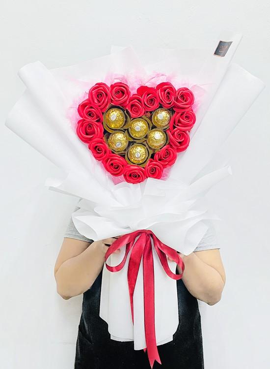 LB24 Soap Flower Gift Box