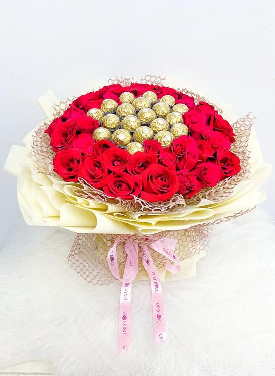 L29 50 or 99 Rose Flower Bouquet