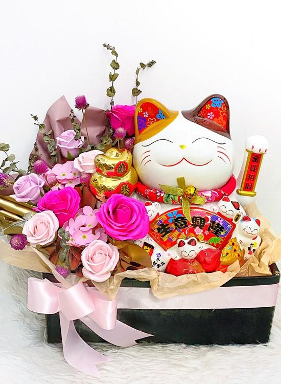 FS150 Fortune Lucky Cat Arrangement