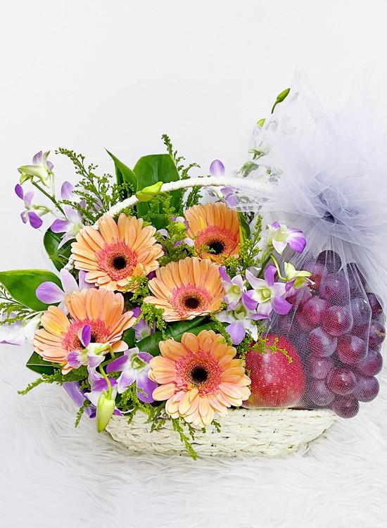 F02 Fruits & Flowers Basket