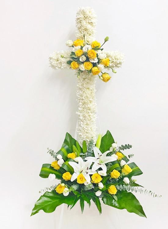 C63 Condolence Stand