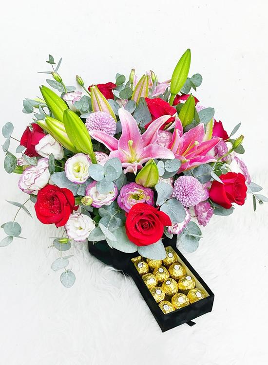 CF009 Choc & Flower Gift Box