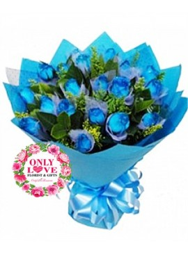 L34 Blue Rose Hand Bouquet