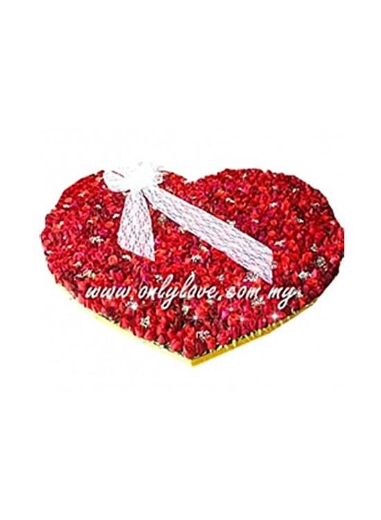 L62 999 Stalks Rose Bouquet