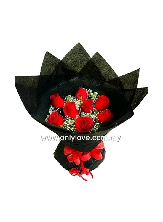 L68 Rose Hand Bouquet