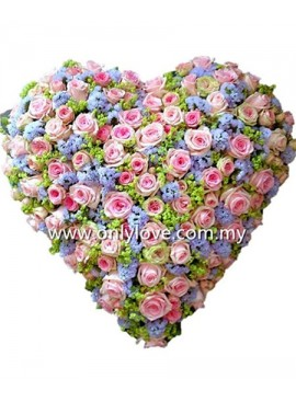 L70 Rose Hand Bouquet