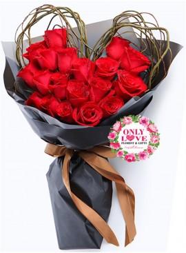 L98 Rose Hand Bouquet